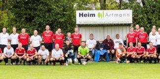 Die FCL-Meistermannschaft der Spielzeit 1990/1991 formierte sich am gestrigen Samstag erneut auf dem Loquarder Grün. FCL-Bild: Silke Ulferts