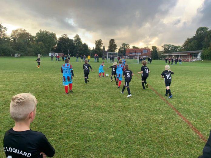 Unsere F-Jugend gastierte am heutigen Mittwochabend an der Petkumer Straße bei FT 03 Emden. FCL-Bild: Malte Wiegandt